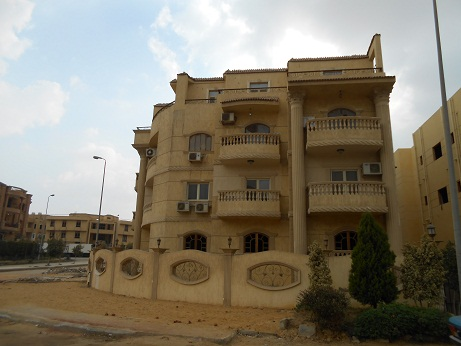 Half Roof for sale alnarjis 7 Super lux and   receive  immediate area