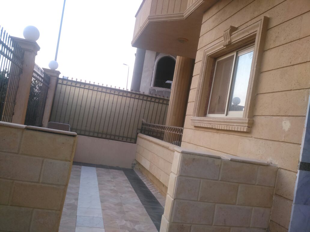 For sale apartment with garden Super Lux villas yasmine New Cairo