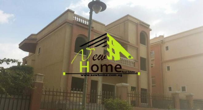 Villa for sale in New Cairo Fifth District Compound Flordoville Villa