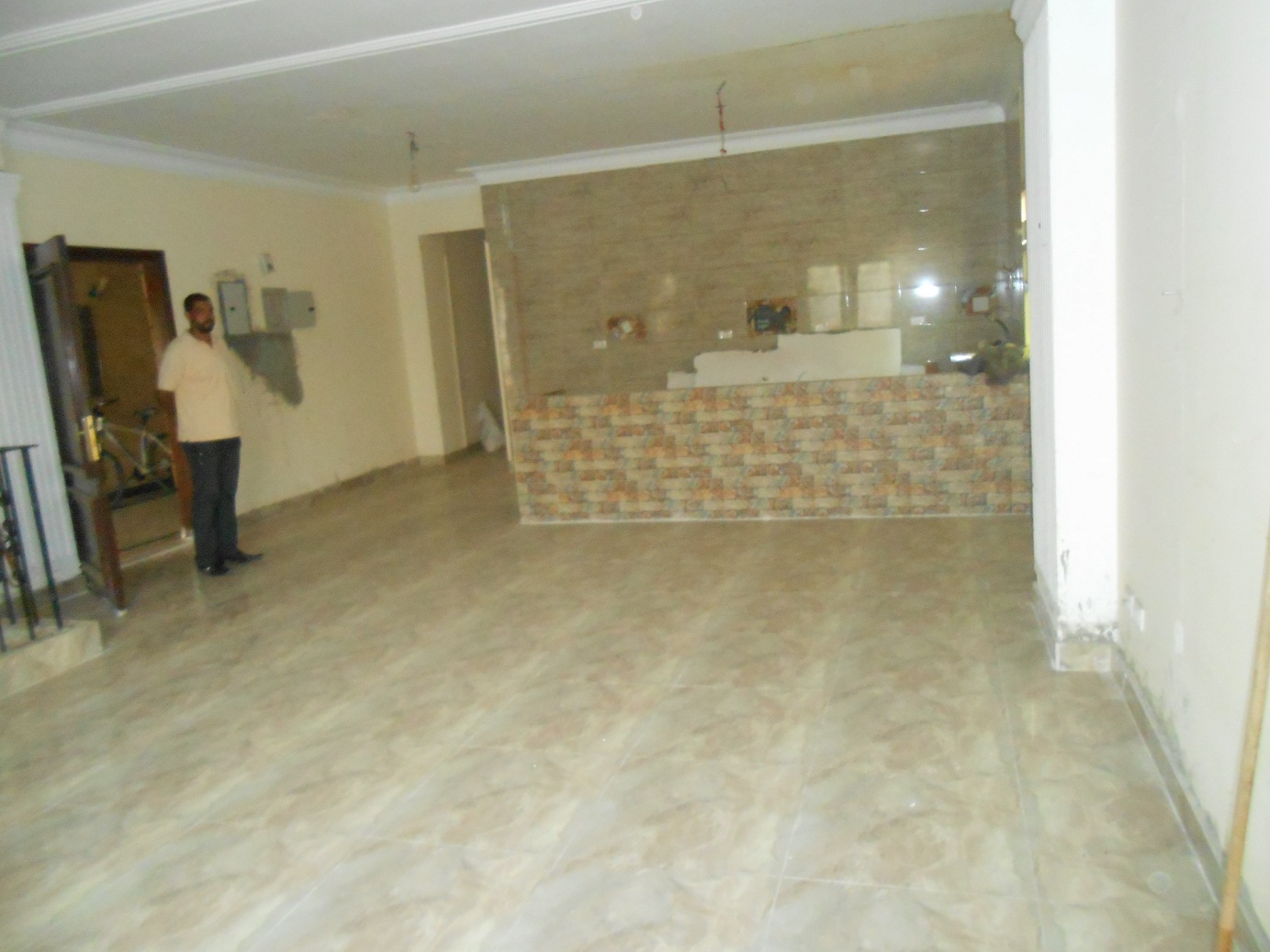 duplex for rent suitable administration or residential south academy